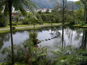 The Azores: beautiful pond, nasty mineral water